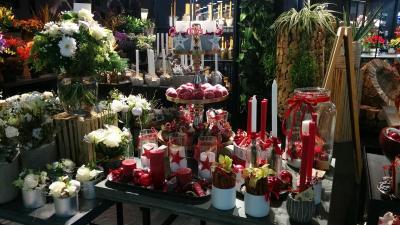 Table fleurs et bougie
